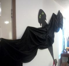 How to train your dragon Defenders of Berk party. Decor ideas. Toothless.