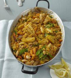 Rezept für Gemüse-Paella bei Essen und Trinken. Ein Rezept für 4 Personen. Und weitere Rezepte in den Kategorien Gemüse, Gewürze, Reis, Hauptspeise, Blanchieren, Braten, Spanisch, Einfach, Vegetarisch, Hülsenfrüchte, Vegan.