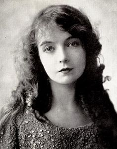 """LILLIAN GISH (1893-1993) American stage, screen, and television actress, whose career spanned 75 years. She was immensely popular in silent films. Her final film, """"The Whales of August"""", was made in 1987 when Gish was 93. Gish always listed the year of her birth as 1896. It wasn't until after her death that the true year of her birth (1893) was revealed."""