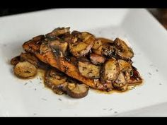 Balsamic Chicken with Mushrooms Recipe - How to make - weight watchers  Ingredients:  -2 tsp vegetable oil  -3 Tbsp balsamic vinegar  -2 tsp Stone ground mustard  -1 large clove of garlic crushed or grated -1 pound boneless chicken breast -2 cups fresh mushrooms (sliced)  -1/3 cup chicken broth  -1/4 tsp dried thyme