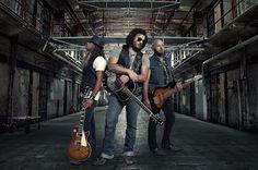 Shaman´s Harvest una banda de rock para tomarse muy en serio http://crestametalica.com/shamans-harvest-una-banda-rock-tomarse-serio/ vía @crestametalica