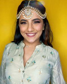 Stylish Girls Photos, Girl Photos, Photography Poses Women, Portrait Photography, Bff Goals, Actor Photo, Eid Mubarak, Teen Fashion Outfits, Aladdin