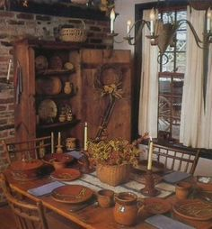 Primitive Dining Rooms Which Uses Wood As Its Main Material Primitive Homes, Primitive Dining Rooms, Country Dining Rooms, Primitive Furniture, Primitive Antiques, Country Primitive, Primitive Decor, Primitive Fall, Country Kitchen