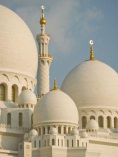 Abu Dhabi, UAE أبو ظبي، الإمارات www.batuta.com