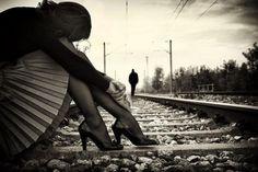 """""""Quem toma a iniciativa de romper mal sabe o bem que sua atitude acarretará, oportunizando ao outro a possibilidade de se livrar de um peso que o aprisionava a uma situação vazia de sentido, sem que o percebesse, oferecendo-lhe a chance de partir em busca de ser feliz junto de alguém que o amará de verdade, como todos de fato merecemos, por mais que doa e demore."""" http://obviousmag.org/pensando_nessa_gente_da_vida/2015/estou-te-deixando-mas-eu-nao-sou-o-vilao-da-historia.html"""