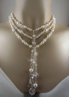 Elegante collar de perlas, perlas de agua dulce y cristales para tu boda , \u0026quot;VANESSA III\u0026quot; por Carol Ann Bosek