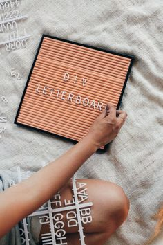 This Letter Board DIY was so easy and really fun to do. I have been looking around online forever for a pink letter board, but they were all so darn expensive. I came across a DIY letter board on Pint Diy Letter Board, Diy Letters, Do It Yourself Inspiration, Diy Inspiration, Diy Home Decor Projects, Diy Room Decor, Decor Crafts, Diy Crafts, Decor Ideas