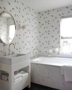 Туалет в цветах: серый, белый. Туалет в стиле английские стили.