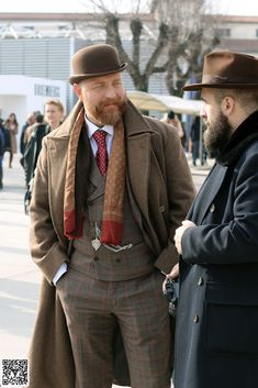 The Papa Bear of Men's Fashion Classic Mens Fashion, Big Men Fashion, Men's Fashion, Bowler Hat Outfit, Hot Ginger Men, Dapper Suits, Big Guys, Outfits With Hats, Family Life