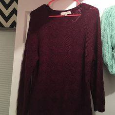 ANN TAYLOR LOFT SWEATER This is a very soft maroon colored sweater, I wore it one time. A bit big on me! LOFT Sweaters Crew & Scoop Necks