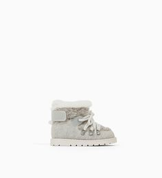 ZARA - KIDS - SKI BOOTS Little Girl Fashion, Kids Fashion, Kid Shoes, Baby Shoes, Kids Skis, Ski Boots, Zara Kids, Boots For Sale, Skiing