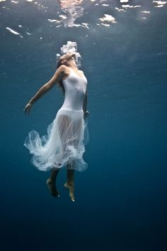 OceanSong by ELENA KALIS #underwater #photography