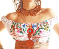 Blanco Nubes colorful off shoulder Mexican embroidered dress from Aida Coronado on Etsy / southwest Hippie Chic, Bohemian Mode, Bohemian Style, Mexican Fashion, Folk Fashion, Womens Fashion, Mexican Embroidered Dress, Mexican Embroidery, Embroidered Dresses
