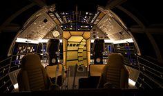 screen-accurate-millennium-falcon-cockpit-cg-model-preview16.jpg-83354d1328658540 (1000×597)