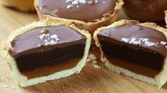 Ingredients: For the pastry: 225g plain flour 110g butter 80g caster sugar 1 large egg For the dark chocolate ganache: 250g dark chocolate 250ml double cream 1/2 tsp salt For the salt caramel: 450g sugar 105g butter 180ml double cream 1 tsp salt For the top: 300g milk chocolate Method: First, pour in the flour ...