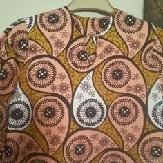 Beautiful Ankara material.good with leggings,jeans or without anything.I made this pin within 1 hour.like it.