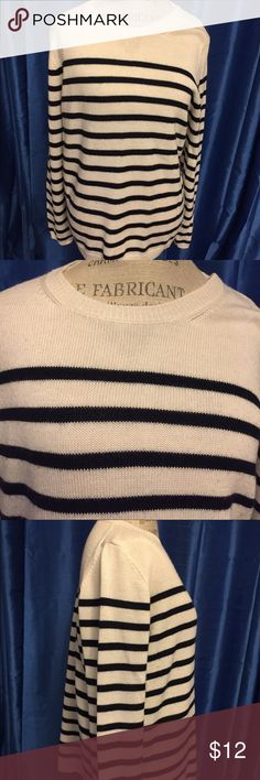 The Limited Nautical Sweater XL Perfect all year seasonal Nautical Sweater by the Limited in size XL.  This sweater is so soft.  It looks really great but does have a few little lint babies on it.  I just don't have the patience to pick them off. Other than that, the Sweater is in awesome condition and has a ton of wear left. Colors are ivory and Navy. The Limited Sweaters Crew & Scoop Necks