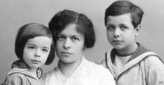 While developing the theory of special relativity in the years around 1905, Albert Einstein lived and worked with a fellow student who became his first wife. The late Mileva Einstein-Maric now has a small band of supporters who argue that she should get some—maybe most—of the credit for that work.