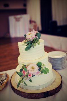 Wedding cake   Photo by: https://www.facebook.com/photoeileen/