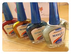 Masglo: Novedades en esmaltes Smart Water, Cleaning Supplies, Water Bottle, Soap, Dishes, Nails, How To Make, Enamels, Nail Art