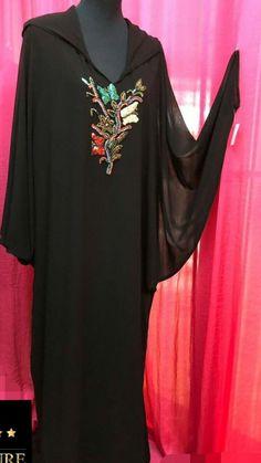 Caftan Morrocco Jellaba Caftan D'or Muslim Women Fashion, Womens Fashion, Mode Abaya, Modele Hijab, Moroccan Caftan, Caftan Dress, Plus Size Beauty, Ivory Dresses, Abaya Fashion