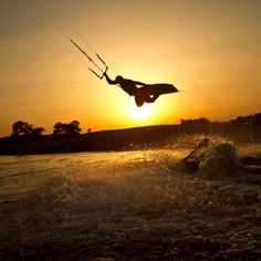 kite boarding, kiteboarding, kite surfing, kitesurfing