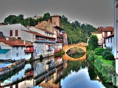 One of the prettiest places I've been to: Saint Jean de pied de port ~ Basque Country Places In Spain, Places In Europe, Places To Travel, Places To Visit, Saint Michael, Travel Around The World, Around The Worlds, France Country, Spain