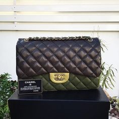 Chanel Tri-color Lambskin Jumbo GHW shoulder bag  Condition: excellent, box , card included  AED 11,490 We deliver worldwide ☀️ #дубай  #люкс #диор #chanel #bagatellechanel#bestdeals #dubaionly #ootd #rare #bestchoice #womanfashion #uae #italy #bagsindubai #holidays #bagatelleboutique #designer #bagatelledubai #bagsindubai #authentic #original #دبي #شنط_أصلية #شنط #ootd # Folow @fashionbookface   Folow @salevenue   Folow @iphonealiexpress   ________________________________  @channingtatum…
