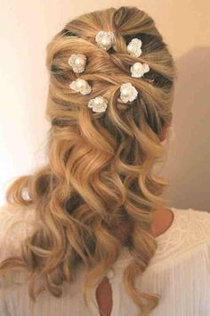 Messy braid with pearls