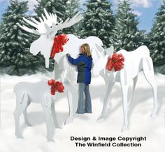 All Christmas - Gigantic Cow and Calf Moose Patterns Outside Christmas Decorations, Christmas Yard Art, Christmas Moose, Christmas Projects, Winter Christmas, Holiday Crafts, Christmas Holidays, Christmas Patterns, Xmas