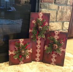 Set of Three Distressed Wooden Christmas Presents - - Dekoration Wooden Christmas Crafts, Christmas Craft Projects, Noel Christmas, Outdoor Christmas Decorations, Rustic Christmas, Holiday Crafts, Christmas Ornaments, Primitive Christmas Crafts, Christmas Movies