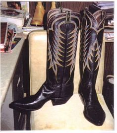 Jack Reed's last pair of boots. Nine rows his version of the flame stitch.