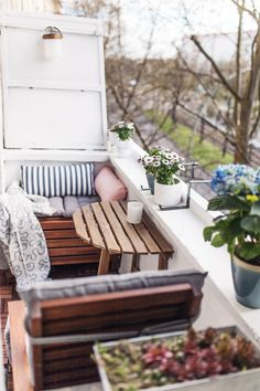Unser kleiner Mini-Balkon: Tipps, einrichten, Staufläche