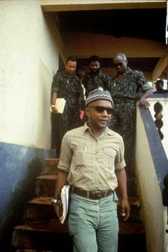 Amilcar Cabral led the struggle to liberate Guinea Bissau from Portuguese colonialism, imperialism and economic exploitation. Colonial, African Diaspora, Historical Pictures, African History, Revolutionaries, Black History, Hipster, Culture, People