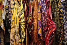 chaquetas colgadas: WWW.OUASSAK.COM