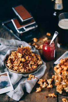 Vegan Sriracha Caramel Bacon Popcorn by theaertfuldesperado #Snacks #Popcorn #Caramel #Bacon #Sriracha