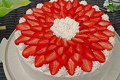 Erdbeertorte mit zarter Joghurtcreme
