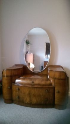 Vintage stunning walnut dressing table and mirror Dressing Table Design, Vintage Dressing Tables, Create A Board, Table Designs, Wooden Furniture, Vanities, Absolutely Stunning, Art Nouveau, 1950s