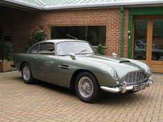 Aston Martin DB4 veddy veddy british