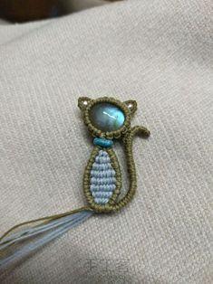 Jewelry Knots, Lace Jewelry, Bead Jewellery, Jewelery, Macrame Jewelry Tutorial, Earring Tutorial, Macrame Design, Macrame Art, Macrame Earrings