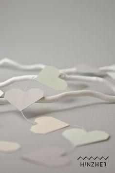 Herz-Girlande aus Papier – Deko für Hochzeit