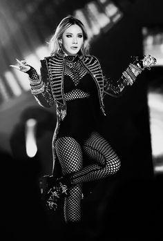 the baddest female♥ K Pop, Cl Fashion, Kpop Fashion, Christina Aguilera, Cara Delevingne, Aaliyah, South Korean Girls, Korean Girl Groups, Cl Rapper