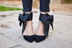 #heels #bow #black #shoes #shoeporn #ELLE