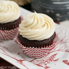 Red Velvet Cupcakes - The quintessential red velvet cupcakes made with buttermilk and a splash of of vinegar with a to die for cream cheese icing! Cupcake Recipes, Cupcake Cakes, Dessert Recipes, Cup Cakes, Cupcake Wrappers, Dessert Ideas, Pasta Recipes, Appetizer Recipes, Dinner Recipes