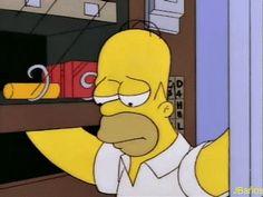 ¡Chocolates y sodas para todos! Homero Simpson:  Homero: Aaay voy a vivir con las máquinas para siempre  (Imaginando la boda de Maggie)  (¡Chocolates y sodas para todos!)  Homero: Uhhhuhhy...es práctico