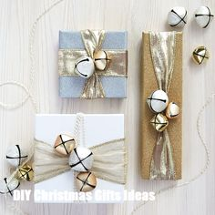 Make this gold merry mini gift wrap project it is a cute way to personalize Christmas gifts. Present Wrapping, Creative Gift Wrapping, Creative Gifts, Cool Gifts, Wrapping Ideas, Elegant Gift Wrapping, Christmas Gift Wrapping, Diy Christmas Gifts, Holiday Gifts