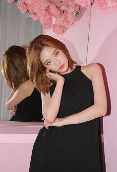 22 Korean Hairstyle to Imitate Your Korean Artist Style - Mode Ulzzang, Ulzzang Girl, Korean Beauty Girls, Asian Beauty, Ulzzang Fashion, Korean Fashion, Byun Jungha, Girl Fashion, Fashion Outfits