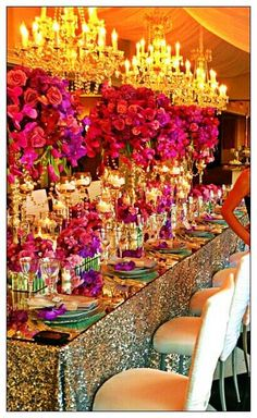 Wow now that is a fancy table! #Tablesetting - glitz & glamour.<3