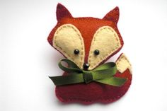 Felt Fox Brooch, Fox Brooch, Felt Brooch, Felt Fox, Felt Fox Pin from UrbanOwls on Etsy. Saved to Felt Animals. Fabric Crafts, Sewing Crafts, Sewing Projects, Felt Fox, Wool Felt, Felt Owls, Fox Crafts, Arts And Crafts, Felt Christmas