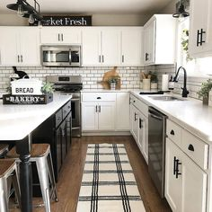 Fantastic modern kitchen room are available on our internet site. Farm Kitchen Ideas, White Kitchen Decor, Home Decor Kitchen, Home Kitchens, Kitchen Black, White Farmhouse Kitchens, Farmhouse Style Kitchen, Kitchen Redo, New Kitchen